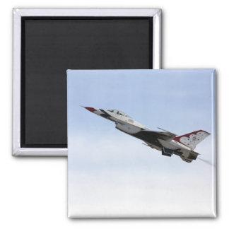 Imán F-16 Thunderbird en vuelo