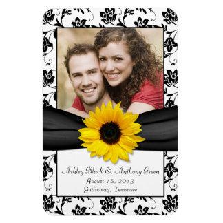 Imán floral blanco negro de la foto del boda del