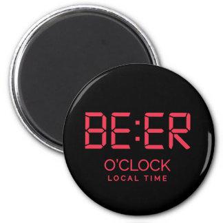 Imán Hora local del en punto de la cerveza