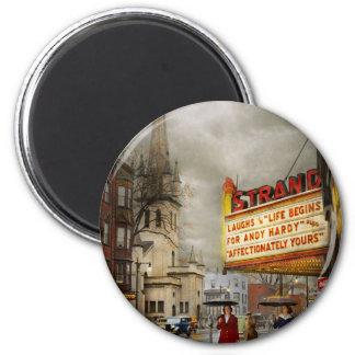 Imán La ciudad - Amsterdam NY - vida comienza 1941