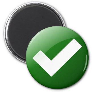 Imán La marca de verificación verde escribe símbolo