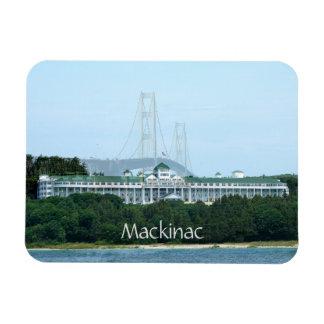 Imán magnífico del hotel del puente de Mackinac