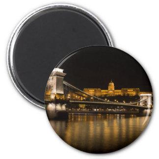 Imán Puente de cadena y castillo de Budapest