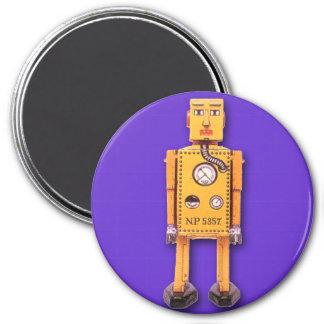 Imán redondo del robot amarillo del juguete