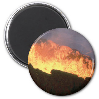 Imán resplandor del fuego volcánico