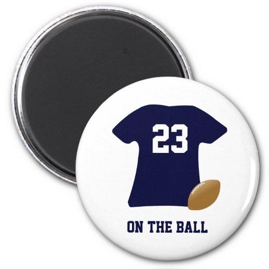 Imán Su camisa del fútbol con la bola