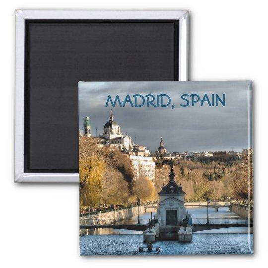 Imán Vistas junto al río Manzanares en invierno, Madrid