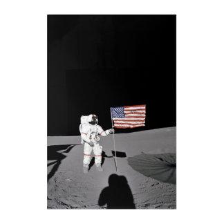 Impresión Acrílica El astronauta hace una pausa la bandera de los