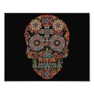 Impresión colorida de la foto del cráneo del