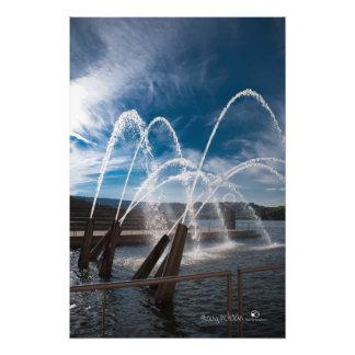 Impresión de la fuente de la orilla del río de arte fotográfico