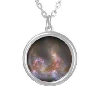 Impresión de la nebulosa de la galaxia collar plateado