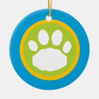 Impresión del trullo, verde y amarilla de la pata adorno navideño redondo de cerámica