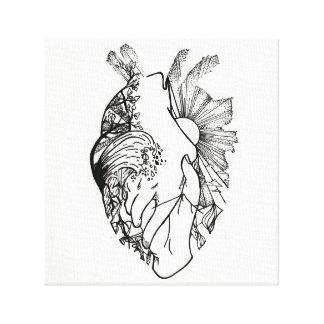 Impresión en forma de corazón blanco y negro de la