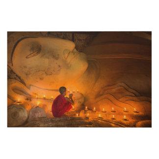 Impresión En Madera Monje que ruega por un Buda