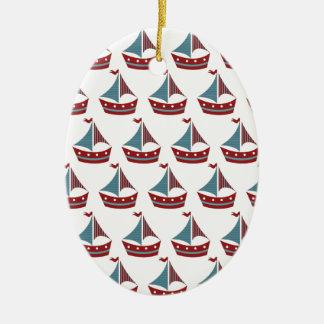 Impresión patriótica del barco de vela adorno ovalado de cerámica