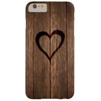 Impresión quemada madera rústica del corazón funda barely there iPhone 6 plus