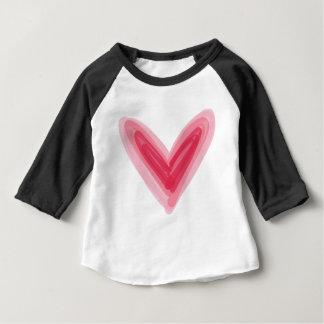 Impresión rosada bonita del corazón, amor hermoso camiseta de bebé
