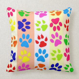 Impresiones de la pata del gato y del perro cojín decorativo