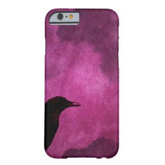 Impresiones fantasmagóricas del cuervo de funda barely there iPhone 6