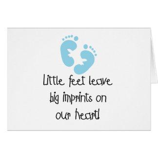 Impresiones grandes pies azules de las huellas de  tarjeta de felicitación