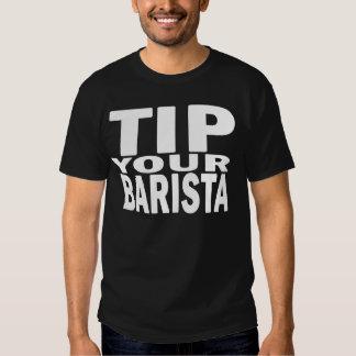 Incline su blanco de Barista en negro Camiseta