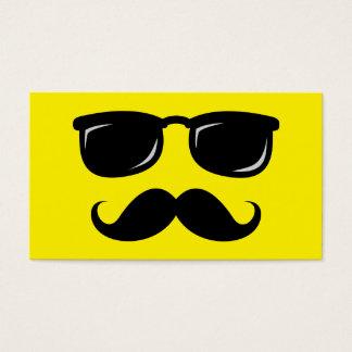 Inconformista de moda del bigote sonriente tarjeta de negocios