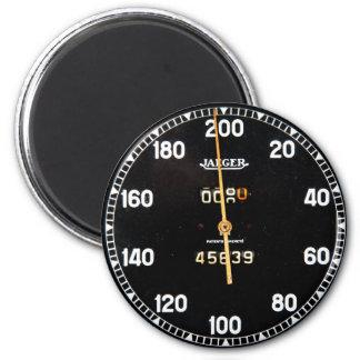 indicador viejo del velocímetro de un coche de car iman para frigorífico