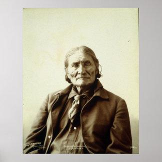 Indio del nativo americano de Geronimo (Guiyatle) Póster