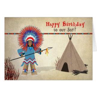 Indio nativo del hijo del cumpleaños con la tienda tarjeta de felicitación