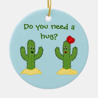 Individuo espinoso del cactus del dibujo animado adorno navideño redondo de cerámica