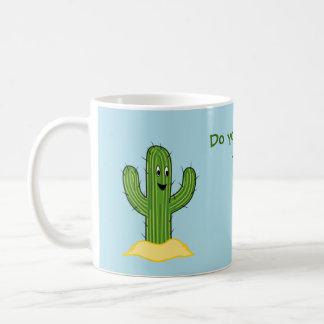 Individuo espinoso del cactus del dibujo animado taza básica blanca