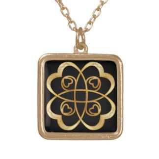 Infinito doble de los corazones del oro - collar 4