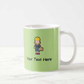 Ingeniero de sexo femenino conocido de encargo taza de café