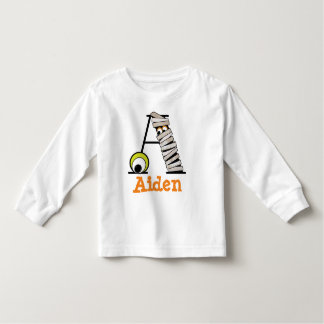 Inicial A del monograma de la camisa w de la momia