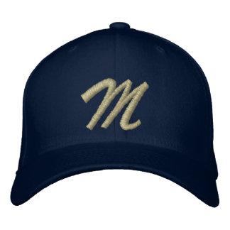 Inicial de la letra M del monograma del bordado Gorras Bordadas