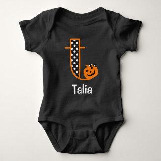 Inicial T del monograma de la calabaza del mono w Body Para Bebé