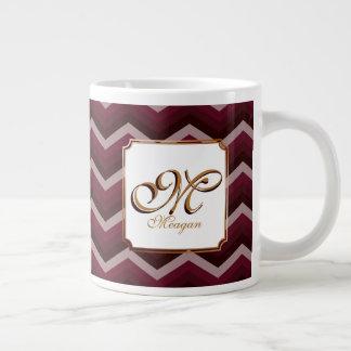 Inicial y nombre del monograma en zigzags de color taza de café grande