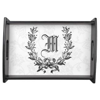 iniciales del apellido, regalos de boda bandejas