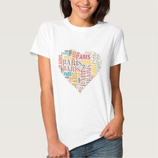 Inscripciones París en camiseta del corazón