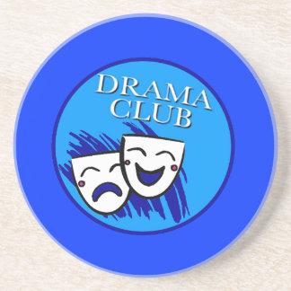 Insignia del club del drama posavaso para bebida