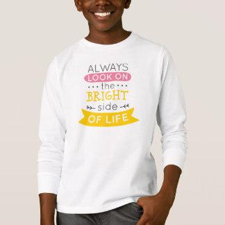 Inspirado la parte positiva de la camisa con