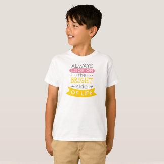 Inspirado la parte positiva de la camisa de la