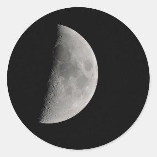 Inspirado por la luna pegatina redonda
