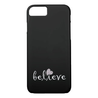 Inspirados blancos y negros creen funda iPhone 7