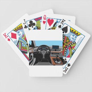 Interior del automóvil barajas de cartas