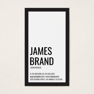 Intrépido minimalista blanco y negro tarjeta de visita