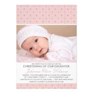 Invitación adornada rosada del bautizo de la foto
