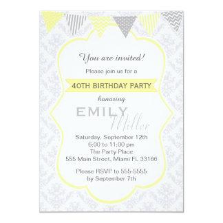 Invitación adulta gris amarilla del cumpleaños del