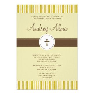 Invitación amarilla de la raya del bautizo