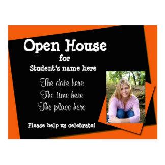 Invitación anaranjada y negra de la casa abierta